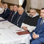 Uroczysta ceremonia nadania honorowego obywatelstwa Gminy Zakliczyn dla dominikanina o. Andrzeja Chlewickiego