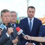 Minister Andrzej Adamczyk na ul. Grabina w Zakliczynie